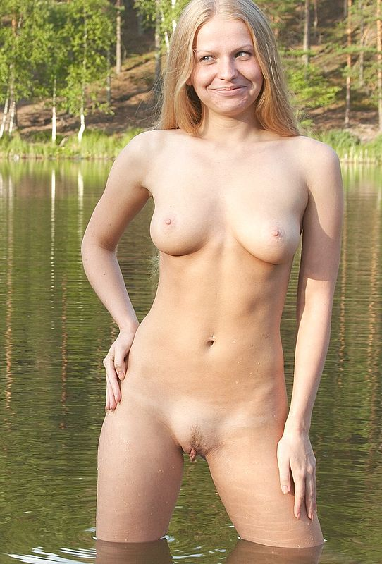 Amateur outdoor sex at sea 10