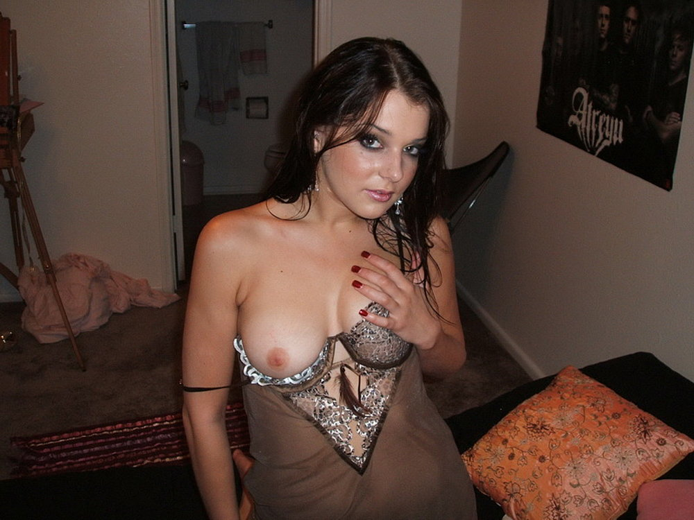 gals allthumbshost submitted 496 pic 7